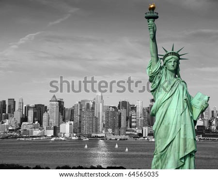 photo new york city skyline statue of liberty monument landmark.black and white new york manhattan city skyline over the hudson river.