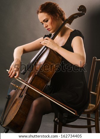 naked lady cello player