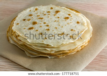 Piadina romagnola, traditional italian food