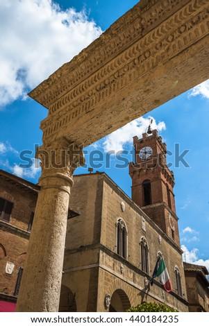 Piccolomini well in Piazza Pio II, the main square of Pienza, Tuscany, Italy - stock photo