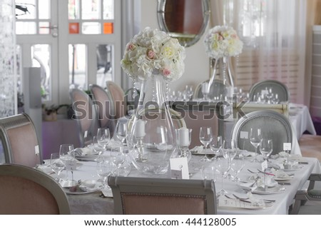 Picture of white flowers on table in vase