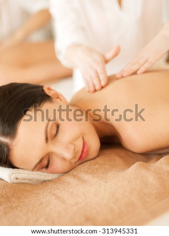 picture of woman in spa salon getting massage