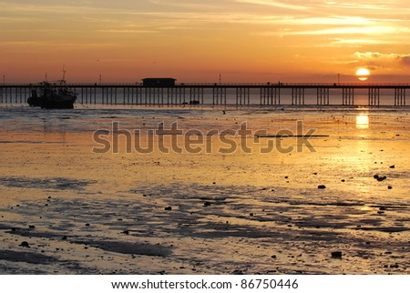 Picturesque sunset above the river Thames, Southend-on-Sea, England