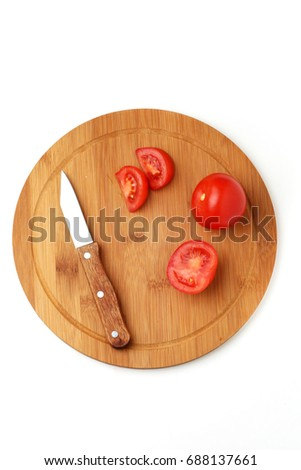 Pieces of tomatoes on the kitchen