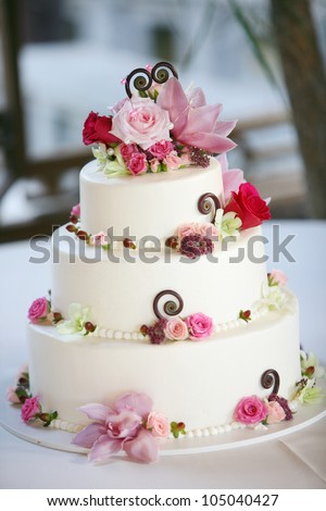 Pink White Wedding Cake Roses Stock Photo (Royalty Free) 105040427 ...