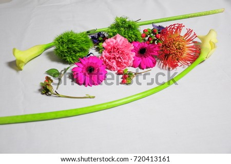 https://thumb7.shutterstock.com/display_pic_with_logo/167494286/720413161/stock-photo-pink-flowers-bouquet-720413161.jpg