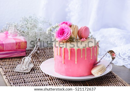 Pink Wedding Cake French Macarons Flowers Stock Photo 521172637 - Present Wedding Cake