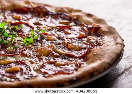 pizza pepperoni with thyme