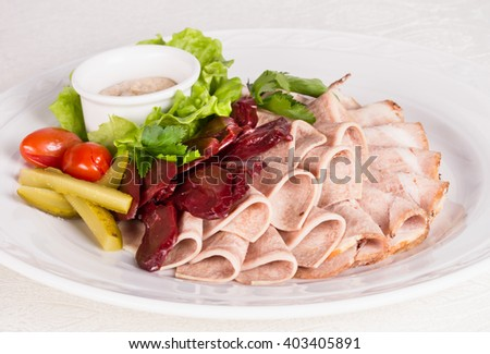 Plate with several kinds of meat