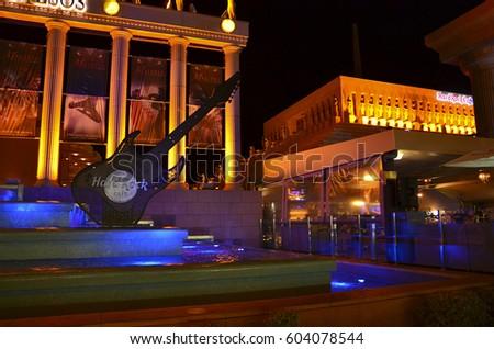 Piramide De Arona Hard Rock Cafe