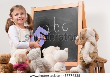 Playing school (no-name toys)
