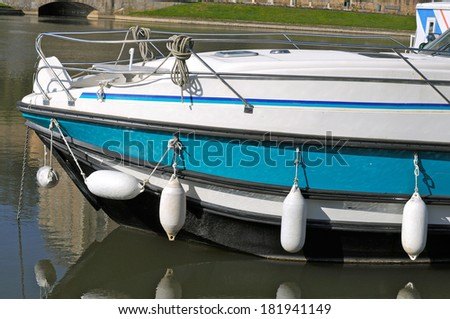 Pleasure boat on the Sarthe in France