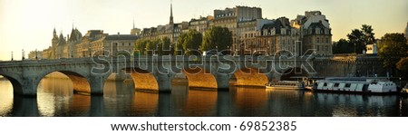 Pont Neuf, Paris, France in early morning