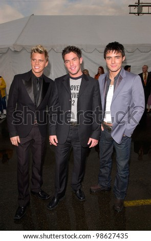 Pop group BBMAK at the 28th Annual American Music Awards in Los Angeles. 08JAN2001.   Paul Smith/Featureflash