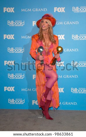Pop star BRITNEY SPEARS at the Billboard Music Awards at the MGM Grand Las Vegas. 05DEC2000.   Paul Smith/Featureflash