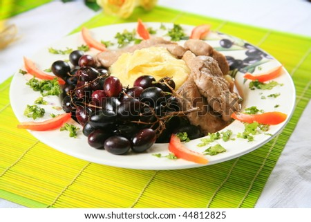 Pork and mashed potatoes with grapes 2