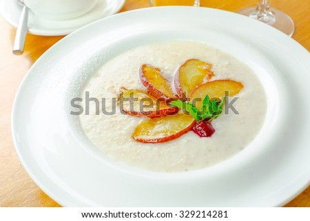 Porridge decorated with fruits