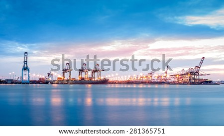 Port Newark-Elizabeth marine terminal viewed from Bayonne, NJ across Newark Bay. - stock photo