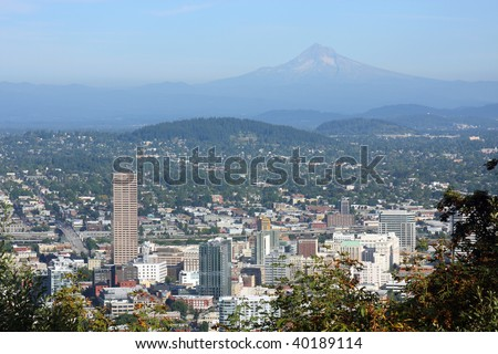 Portland viewpoint to the East side & Mt. Hood.
