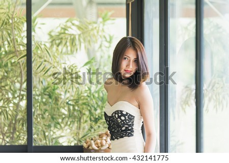 portrait asia beautiful women in coffee shop