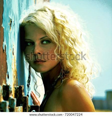 Фото молодые голые блондинки
