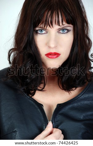 Darkhaired beauty in leather pants bostero 7