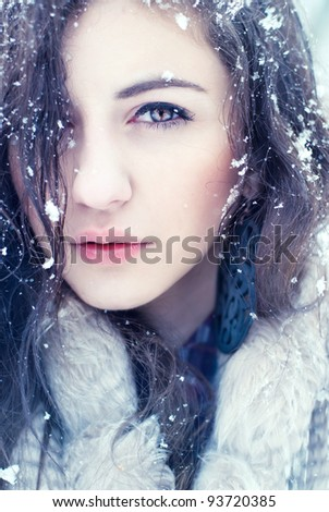 Portrait pretty girls winter photos cold portrait of pretty girls in the winter photos in cold tones voltagebd
