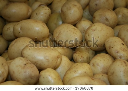 potatoes on the shelf