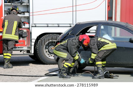 practice of firefighters in the Firehouse and simulation of traffic accident