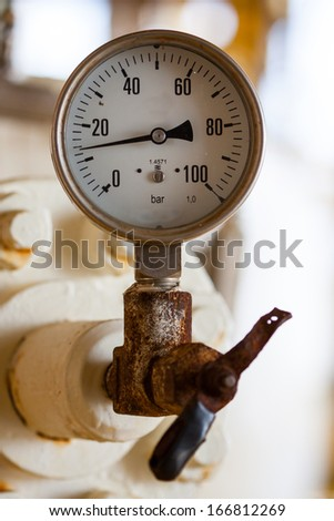 Pressure gauge for measuring pressure in the system, Oil and gas process used pressure gauge to monitor pressure condition inside the system.