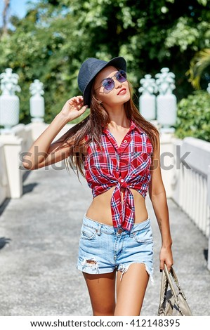 Pretty hipster girl outdoor portrait