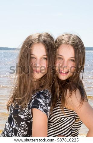 Nude Twins Pix Girls