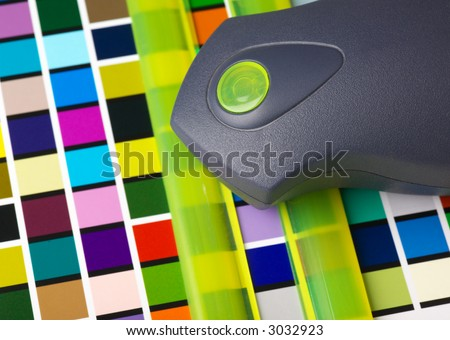 printer color management, checking RGB colour patches using a spectrophotometer