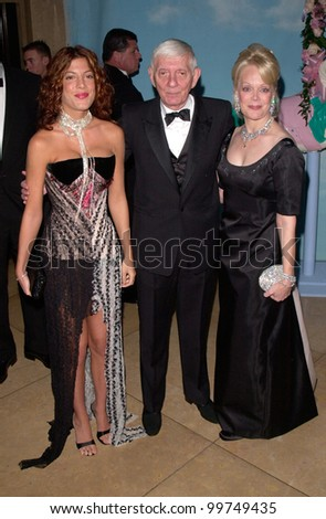 Producer AARON SPELLING & wife CANDY with actress daughter TORI SPELLING at the Carousel of Hope Ball 2000 at the Beverly Hilton Hotel. 28OCT2000.   Paul Smith / Featureflash