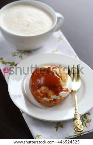 cream caramel sauce profiteroles with cream caramel sauce profiteroles ...