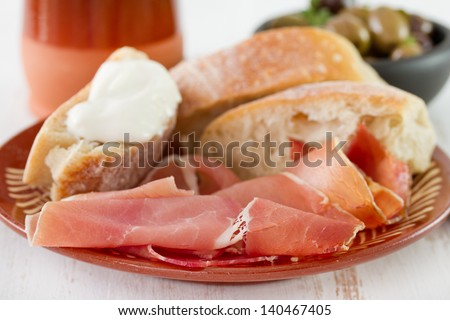prosciutto with bread and cheese