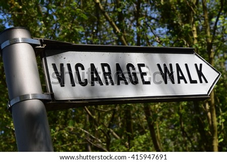 Public Footpath sign - Vicarage Walk