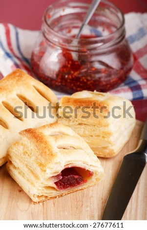 puff with confiture