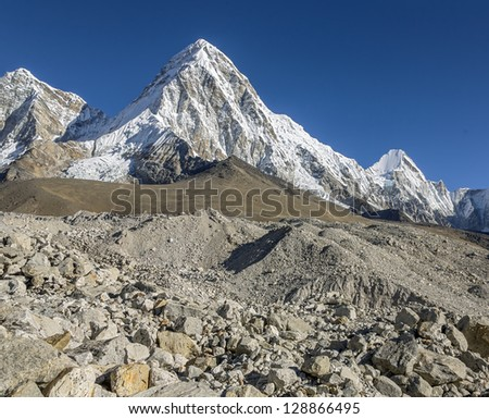 Pumo Ri peak  (7165 m) (view from glacier) - Everest region, Nepal, Himalayas