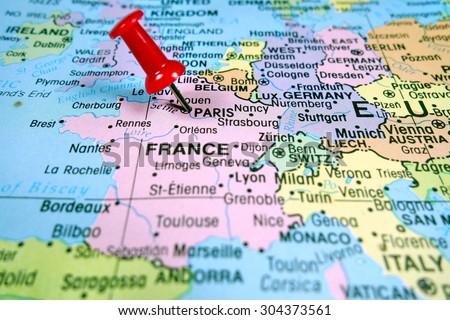 Pushpin marking on paris map foto de stock libre de regalas pushpin marking on paris map gumiabroncs Gallery