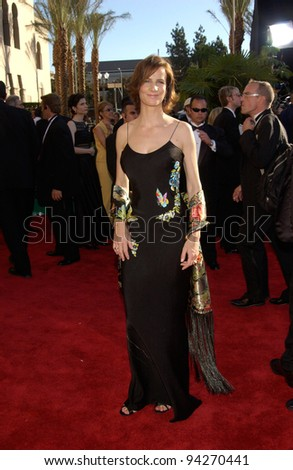 RACHEL GRIFFITHS at the 2002 Emmy Awards in Los Angeles. 22SEP2002.  Paul Smith / Featureflash