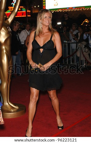RACHEL HUNTER at the 2005 World Music Awards at the Kodak Theatre, Hollywood, CA. August 31, 2005  Los Angeles, CA.  2005 Paul Smith / Featureflash