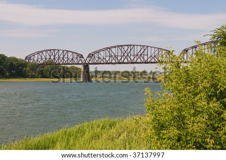 Railroad bridge over the Missouri River, Bismarck, North Dakota - stock photo