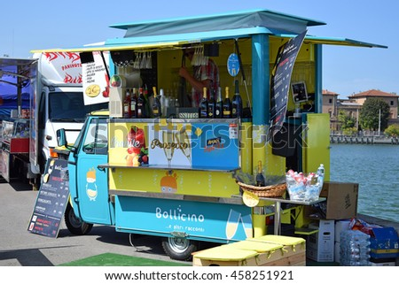 RAVENNA, ITALY-MAY 28, 2016: wine stand at the old peer outdoor market. This market is very popular and attract thousands of tourists. - stock photo