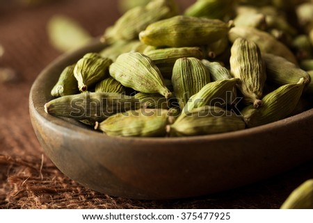 Raw Organic Cardamom Pods Ready to Use