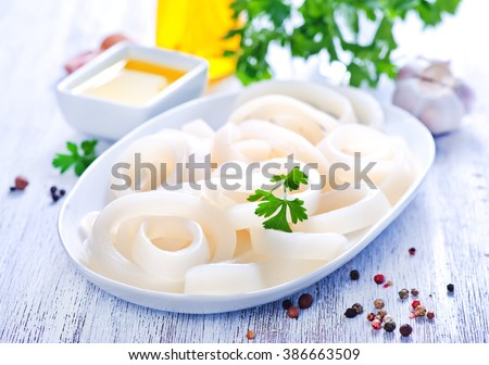 Raw squid rings with pepper