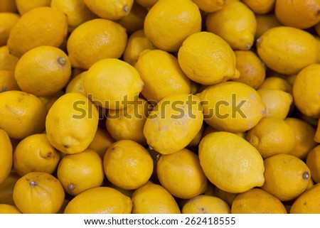 real organic lemon fruits at stall