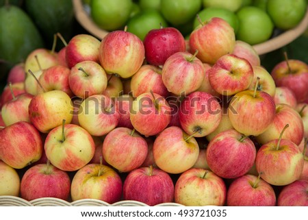 Red and yellow apples
