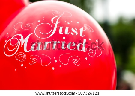 red balloon just married