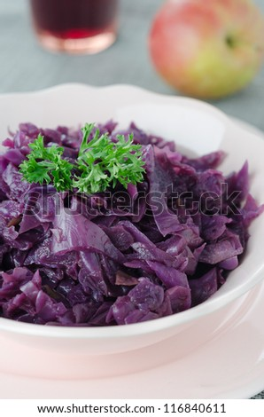 Red cabbage braised with apples close up